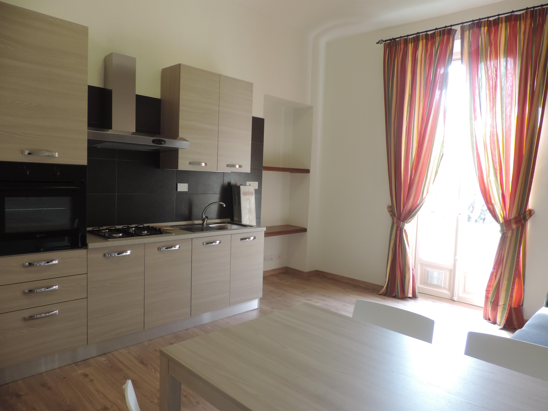 Politecnico pressi Via Marco Polo 38 affitto appartamento composto da 2 singole e 1 doppia